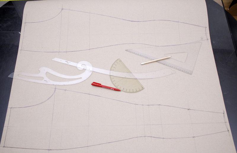 Wie man seine eigene Latex Leggings macht | Making Latex Clothing
